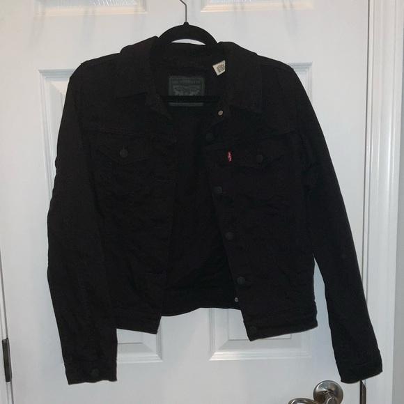 Black Levi's denim jacket, size medium